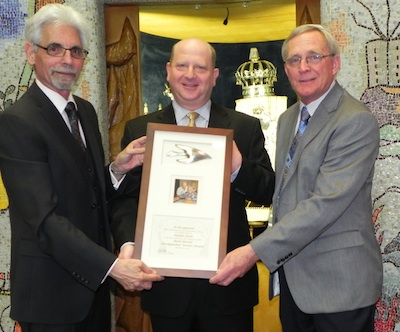 Stephen Receives Distinguished Service Award